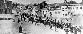 Civili armeni in marcia forzata aprile 1915